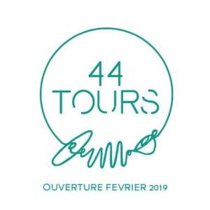 44 Tours